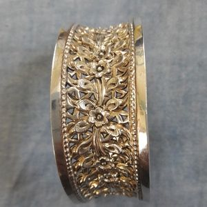 Jewelry - Sterling silver cuff floral carved 925 Thailand